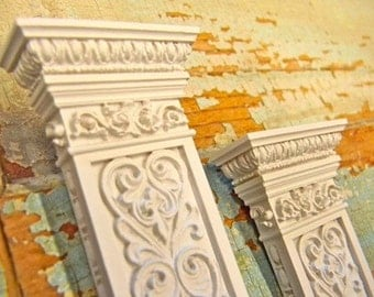 Dollhouse Miniature Victorian Carved Columns (set of 2)