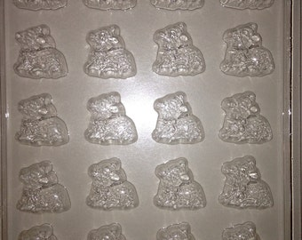 E9 - Chocolate Easter Novelty Mold - Baby Lambs