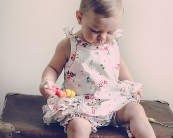 Sewing pattern, baby girl's dress pattern, SUNNY DRESS & BLOOMERS  pdf sewing pattern, baby's dress pattern 6 months to 6 years.