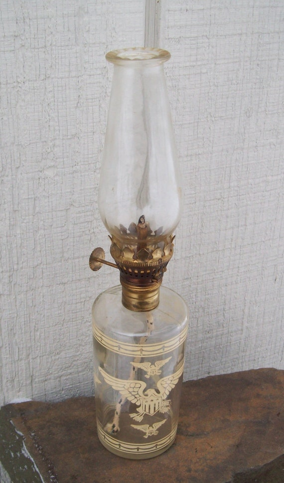 vintage small patriotic american eagle glass oil lamp