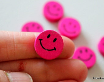 10 x Fuchsia Pink Smiling Wood Beads 16mmx16mm