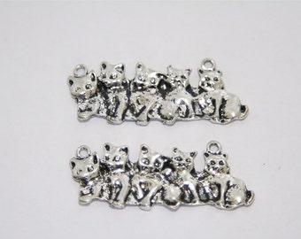 2 Pcs. charms / metal pendants Cat family / antique silver tone A185