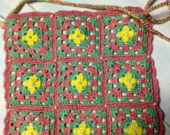 Handmade Sweet, little crochet bag, in beautiful colours. Old swedish pattern. Embroidered with pearls