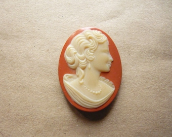 Vintage Glass Peach Cameo