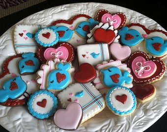 Lovebirds - Valentine's Day - Heart Cookie - Valentine Gift - Party Favors - Wedding - Bridal Shower - Decorated Sugar Cookies