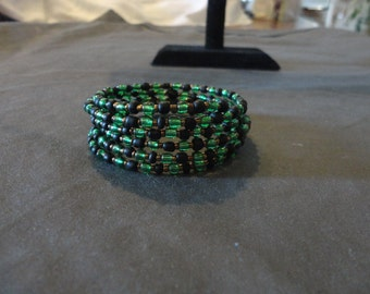 Memory Wire Bracelet-Black and Green