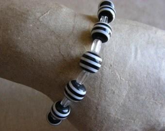 Stripes - Upcycled handmade beaded bracelet