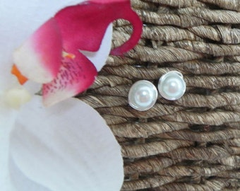 Pearl Stud Bridesmaids Earrings, silver wire wrapped post earrings, Dainty White Pearl Studs.