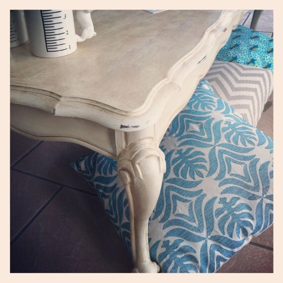 Table de salon style antique shabby chic par aubedesign - Table de salon antique ...