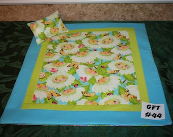 """Flower print, American Girl sized, reversible doll bed quilt 17.5"""" x 20"""" with matching pillow 4"""" x 6"""""""