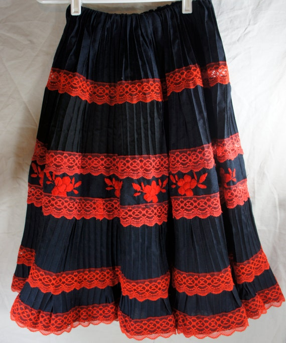 Vintage mexican tiered skirt navy with embroidered red by