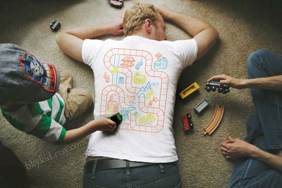 Size M - Railroad Play Mat T-Shirt : Playtime for Kids, Back Massage for Dad / Fathers Day Gift New Daddy Father Son Train Track Mat