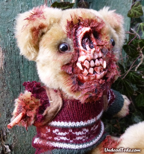 UnDead Ted hiker with its face eaten off & missing arm.