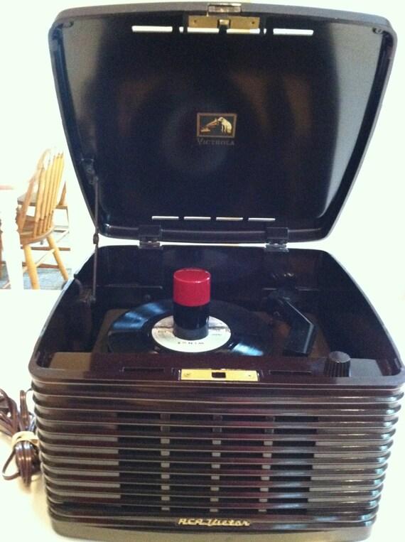 Vintage Rca Victor 45rpm Bakelite Portable Record By Deco2go