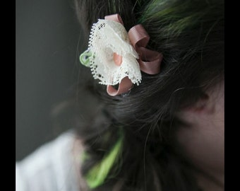Lace flower clip with ribbon
