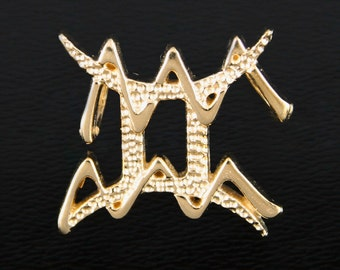 32 Gemini and Aquarius Gold Unity Pendant