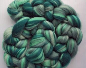 Green Spinning Fiber-  23 micron Merino wool, HOLMFIRTH, 100g / 3.5oz