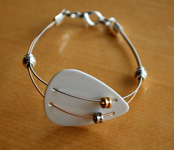 Guitar Pick and Guitar String Bracelet Dual Thin by Saratude
