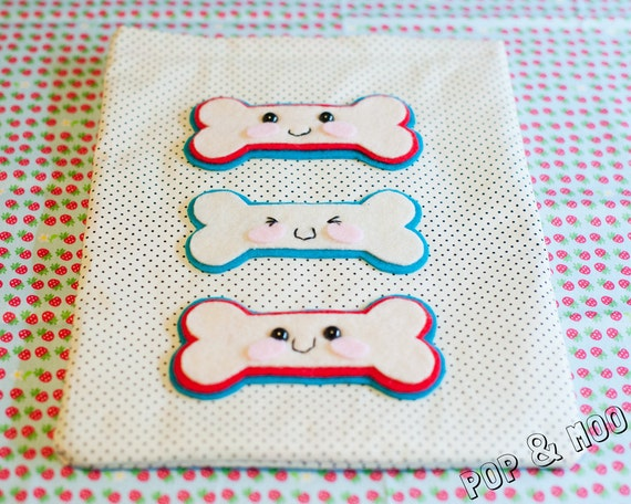Cute iPad cover / Polka dot kawaii tablet sleeve / Felt bones case / Adorable cream and blue gadget pouch by Pop and Moo.