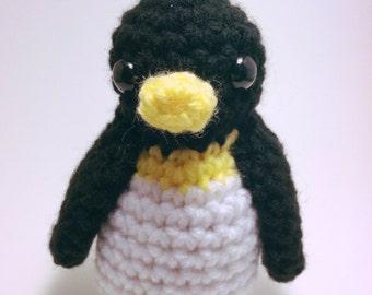 Crochet Pocket Penguin