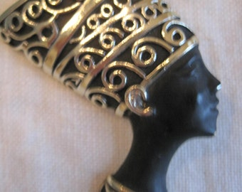 pin of queen Nefrediti of Egypt black face