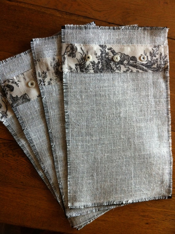 4 shabby chic placemats made of burlap with toile in black for Toile shabby chic