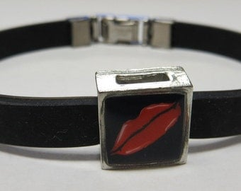 Red Lips Link With Choice Of Colored Band Charm Bracelet