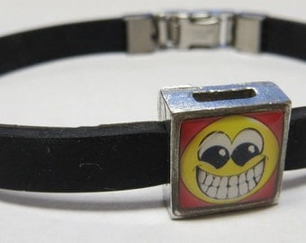Cartoon Very Smiley Link With Choice Of Colored Band Charm Bracelet