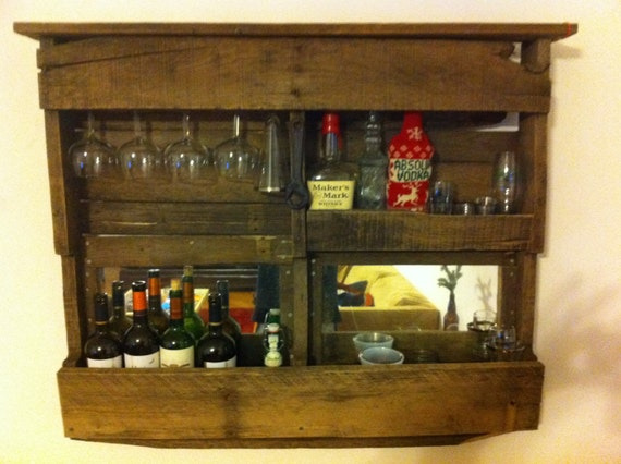 Items similar to wall bar pallet bar wine bar on etsy for Pallet wine bar