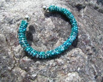 Blue Green TWISTER bracelet
