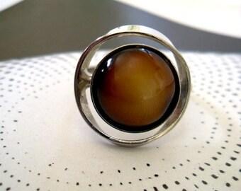 Vintage VOGUE Silver Circular Venus Ring