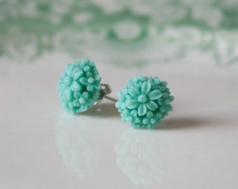 Seafoam Flower Earrings / Flower Stud Earrings / Teal Flower Earrings / Seafoam Vintage Flower Studs / SE063