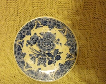 "Vintage very rare Royal Delft, Holland Blue & White Floral Pattern 8"" wall hanging plate"