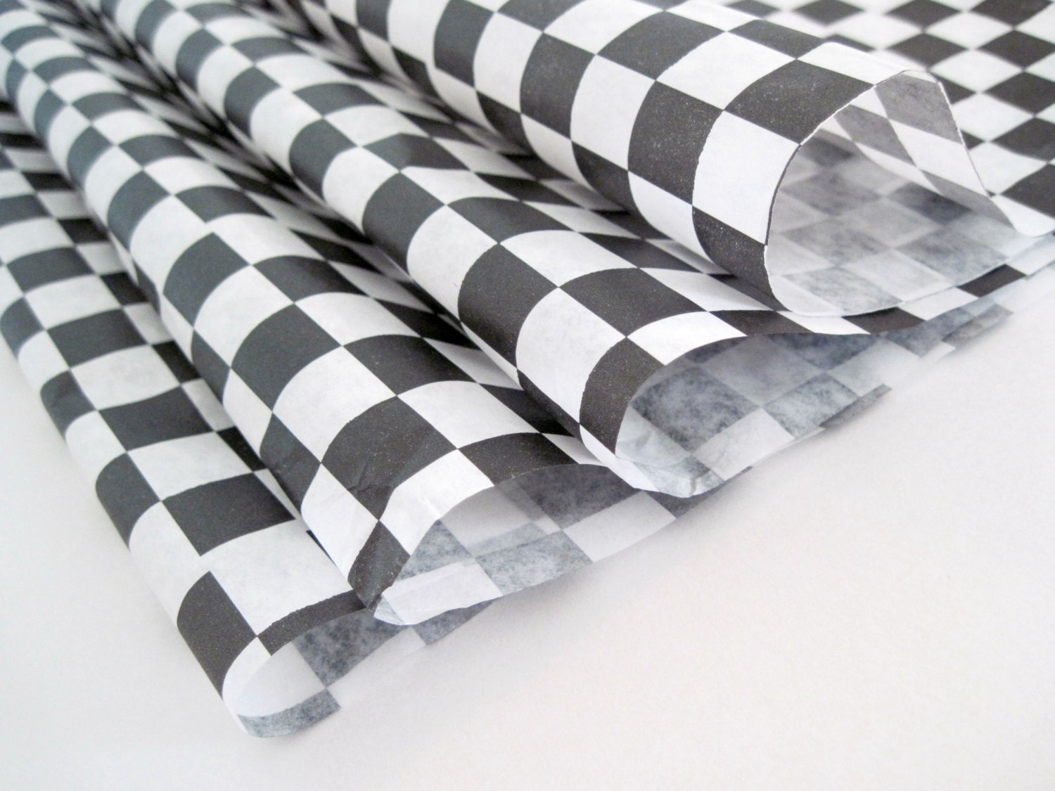 Sandwich Deli Wrap Paper : Wax paper sheets of black and white checkered
