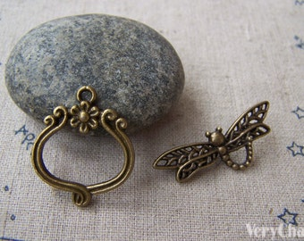 10 sets of Antique Bronze Dragonfly Toggle Clasps  A5083