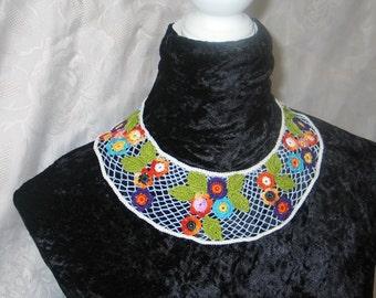 Bib-Halskette, Spitzenkragen, Textilkunst, irische Häkelspitze, Romantische Braut Halskette, Geschenk für Frauen, Schmuck aus Spitze,