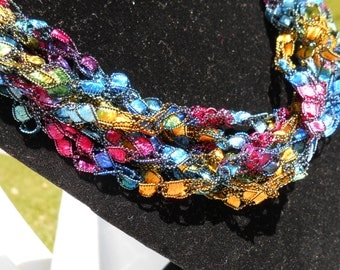 Trellis Necklace / Crochet Necklace Item No. 101 Perfect for Easter or Mother's Day