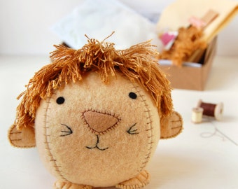 Lion Craft Kit - Make Your Own - Children's Sewing Kit - Creative Activity Kit - Lion Toy - Zoo Animal Toy - Lion Lover