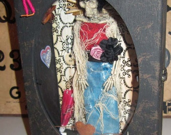 AlTeReD aRt FridA KahLo ShAdOwBoX OOAK MeXiCo SkElEtOn