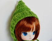 Sale Glitter Green Elf Hat for Blythe, Hand Knit Doll Helmet in True Green - Winter Goblin Pixie Hat Bonnet Style for Blythe, Pullip, or Dal