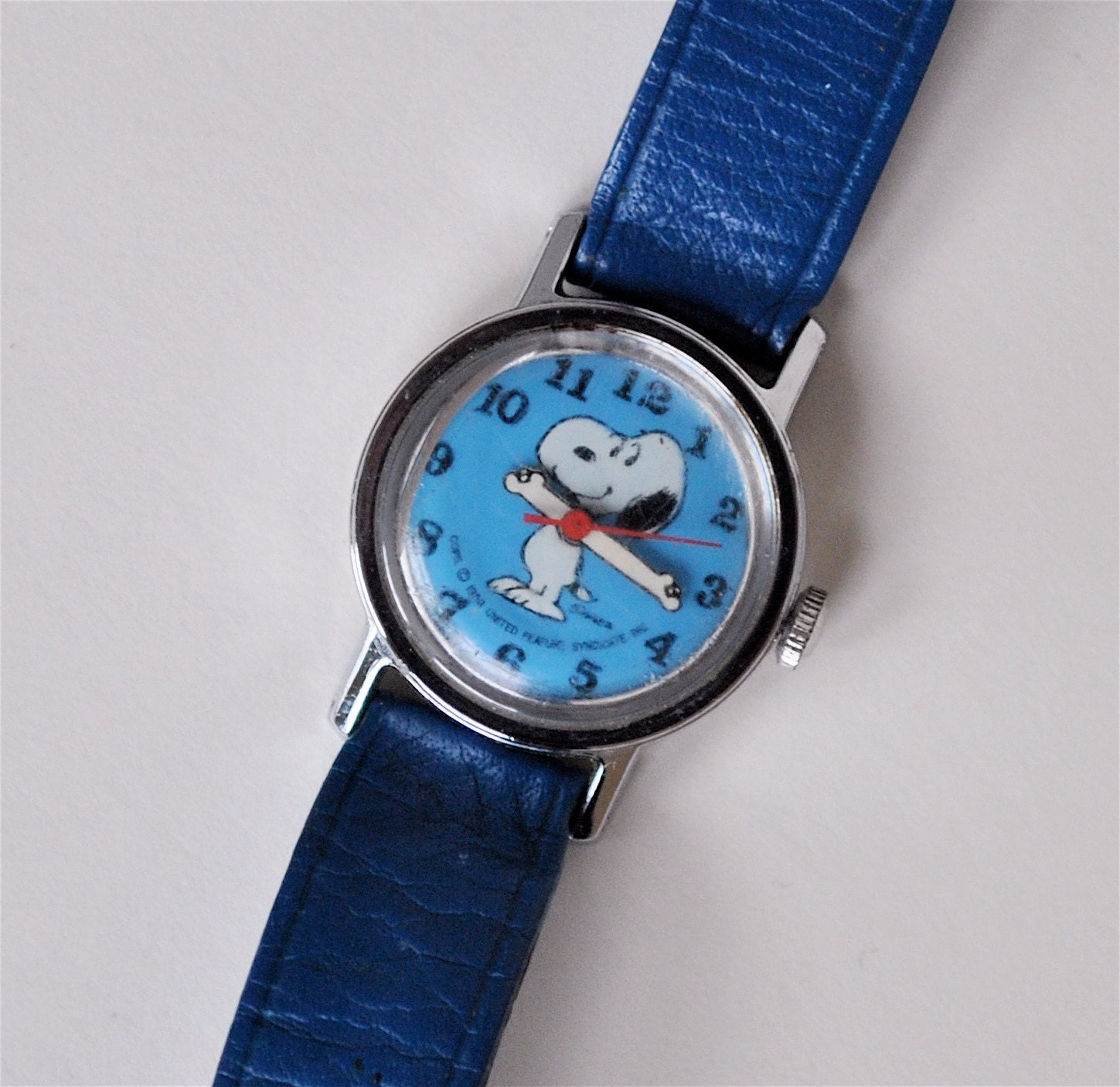 Snoopy watch vintage blue peanuts charles by daisychainvintage for Snoopy watches