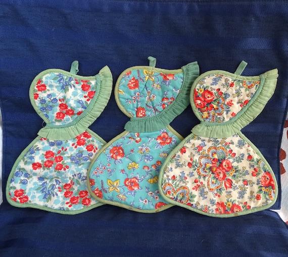 Homemade Pot Holders: Vintage Sunbonnet Sue Quilted Pot Holders... Set Of 3 Cottage