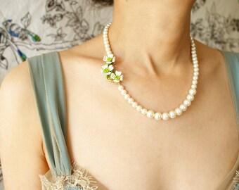 Vintage bridal jewelry, white flower pearl necklace, Bridal wedding pearl necklace, vintage dogwood brooch OOAK pearl necklace