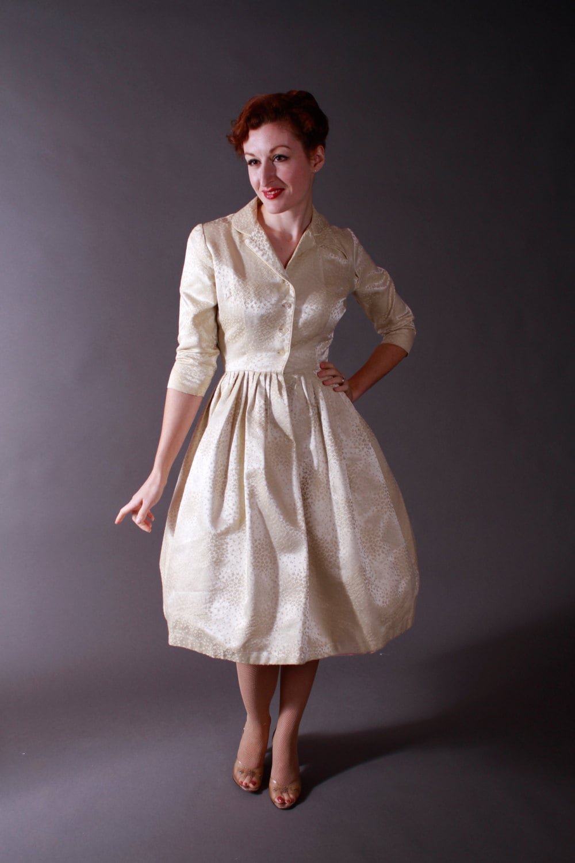 Vintage 1950s Wedding Dress Rich Ivory Brocade Shirtwaist