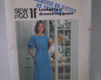 Vintage 70s Butterick 5166 Small Misses Lounge gown Maxi dress