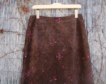 Vintage / Dark Chocolate / Suede / Floral / Embroidered / Leather / Pencil Skirt / LARGE