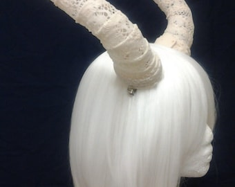 "Victorian lace-9"" cream lace horns"