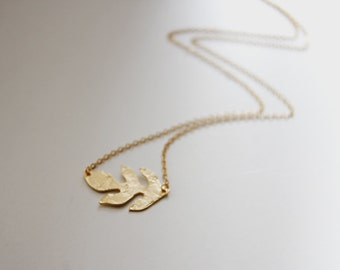 Autum Leaf Necklace. Matte Gold. Everyday Jewelry. Simple Chic. Gift For Her