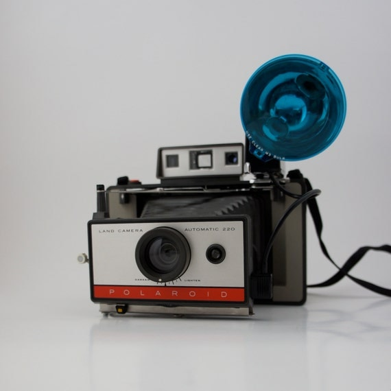 Model Land Movie: Polaroid 220 Automatic Land Camera With Model 268 Flash Pack