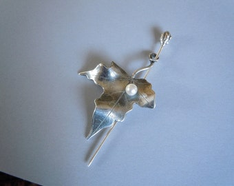 Japanese Maple Leaf Pin - Nature - Fine Silver Brooch with Pearl - PMC
